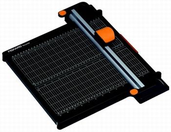 FISKARS rolsnijmachine Titanium A4 formaat zwart/oranje
