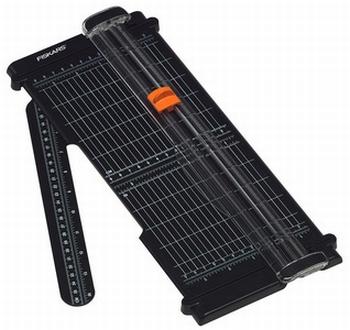FISKARS rolsnijmachine SureCut Recycle A4 zwart/oranje
