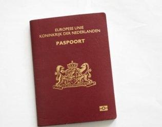 KOBRA 400 C4 Paspoort- en Papiervernietiger 3.9x40 mm